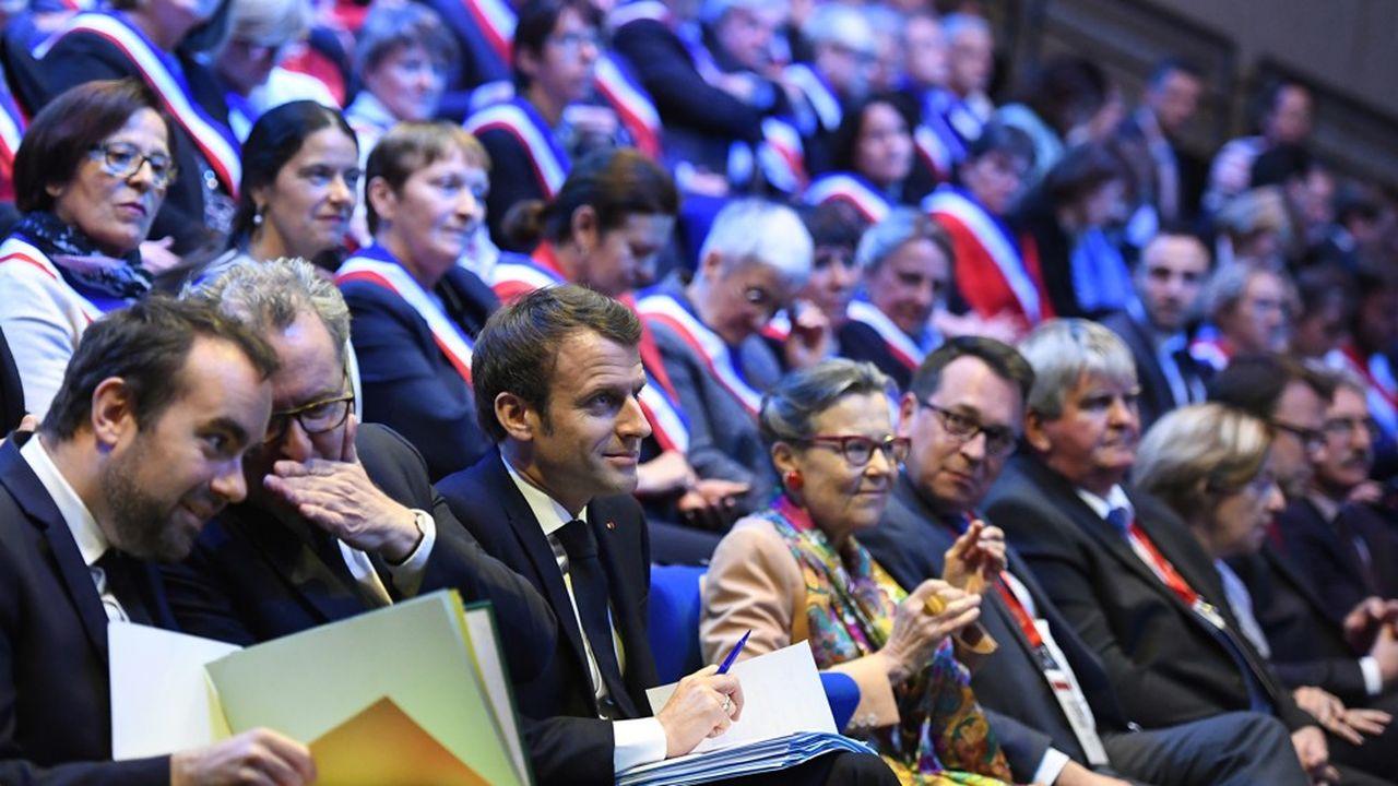 A Saint-Brieuc, devant 600 maires de Bretagne, Emmanuel Macron a prévenu que la sortie du grand débat ne sera «ni un entêtement, ni un reniement».