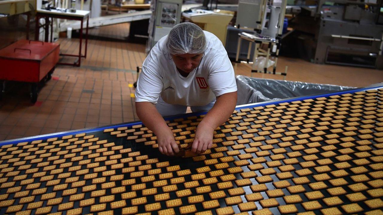 L'industrie alimentaire est le premier employeur français avec 427.600 emplois directs et 2,4millions d'emplois induits.