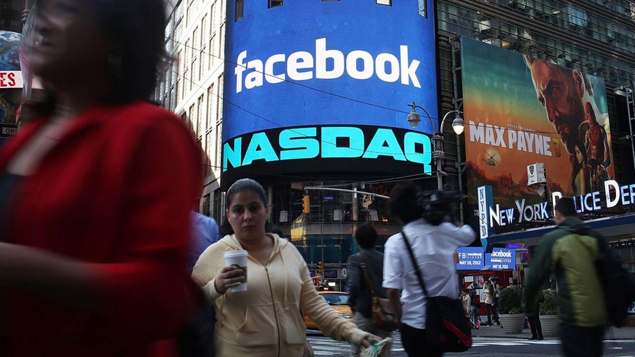 La capitalisation boursière de Facebook frôle les 500milliards de dollars à Wall Street