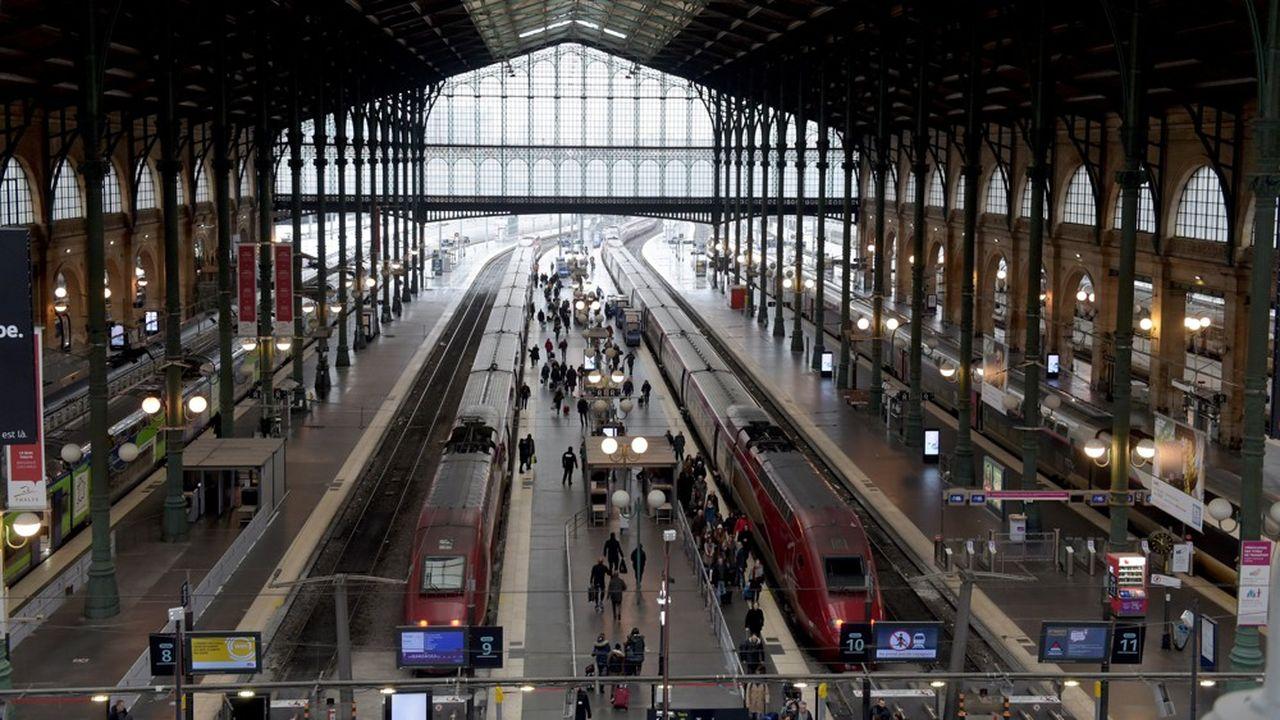 Les réparations sont en cours, mais la SNCF prévenait à 16h55 que « le trafic devrait rester fortement perturbé jusqu'en fin de soirée ce jeudi 4 avril ». Soit, au départ et à l'arrivée, un train par heure et par sens de circulation.