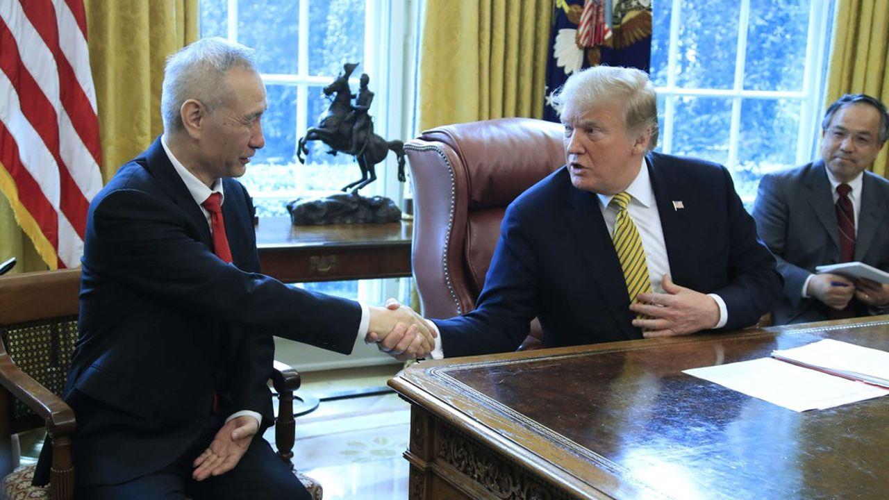 Signe encourageant, jeudi, le vice-Premier ministre chinois était assis aux côtés du président américain, et non face à lui, comme lors des précédentes réunions
