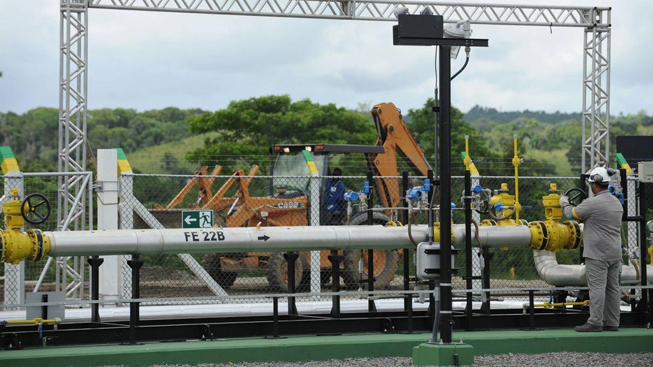 Petrobras cède le réseau de gazoducs TAG afin de réduire son endettement (69,4milliards de dollars) et de privilégier l'exploration et la production de pétrole