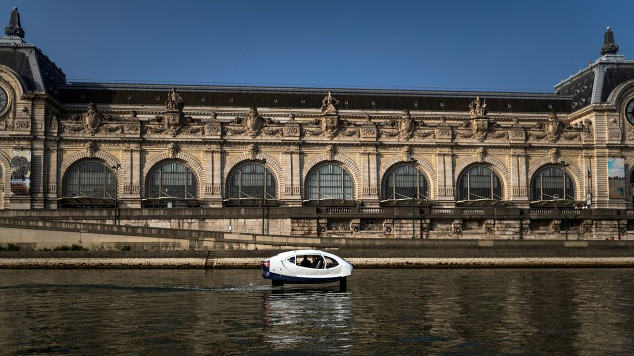 Sur la Seine, la technologie des SeaBubbles est limitée par les normes de sécurité.