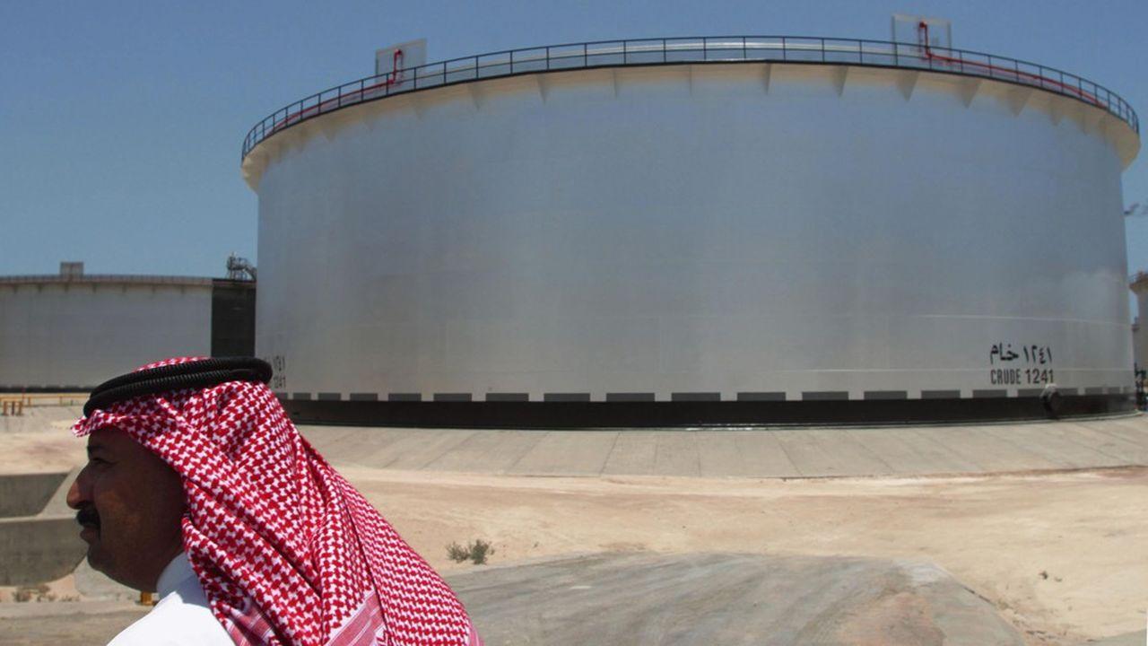 Le géant pétrolier Saudi Aramco a attiré plus de 100milliards de dollars de demande pour sa première émission obligataire.