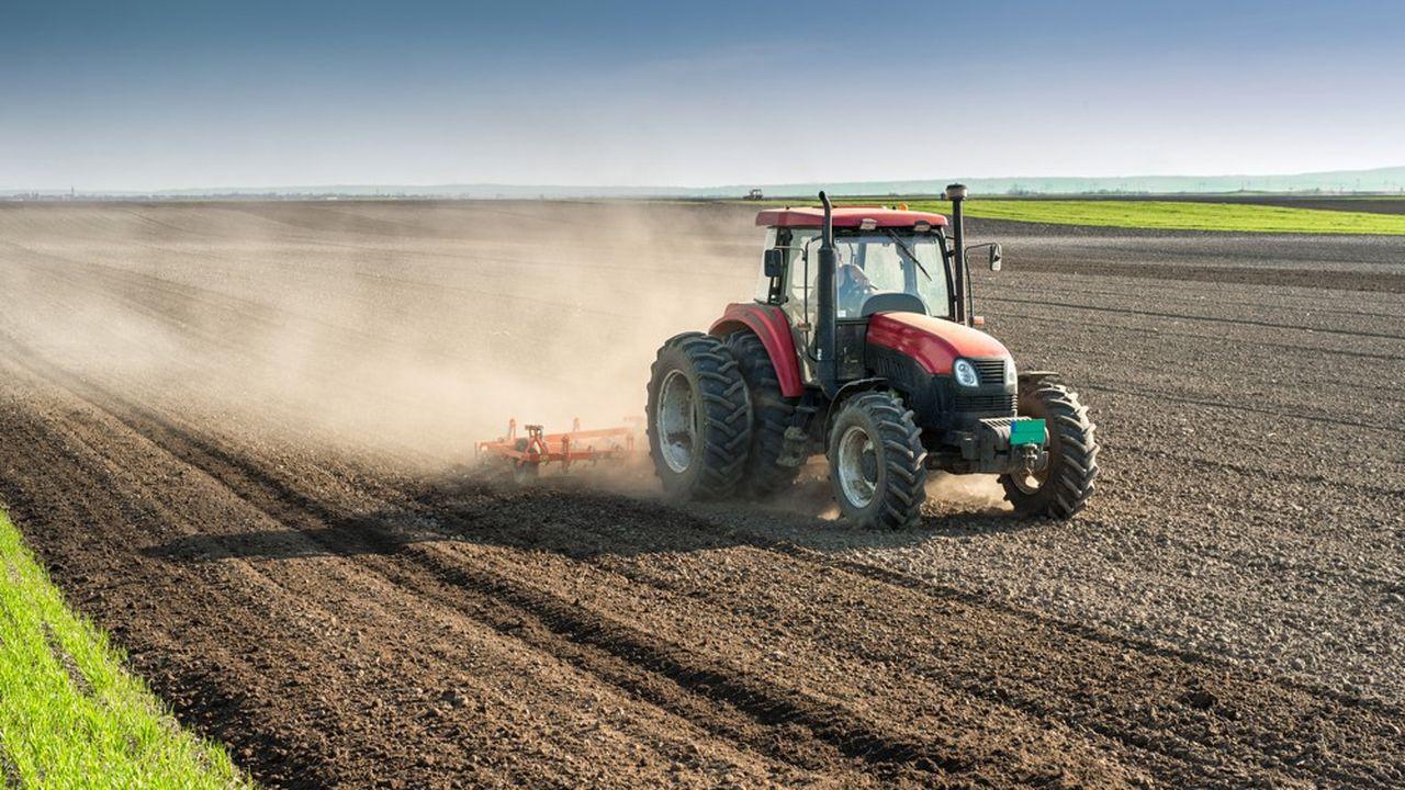 En France, les ventes de tracteurs baissent en volume mais progressent en valeur. En clair, on vend moins de tracteurs, mais plus cher.
