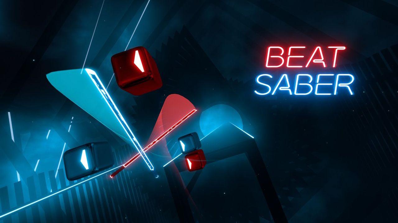 Casque devant les yeux, le joueur plonge dans un univers virtuel dans lequel il tient un sabre laser dans chaque main. Le but dans le jeu Beat Saber est de découper des cubes avançant au rythme d'une musique.