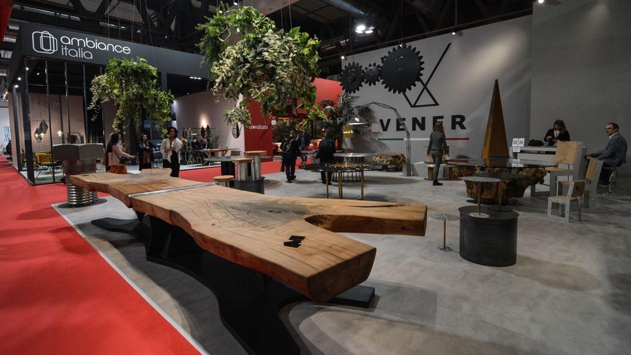 Le salon du meuble, qui se tient jusqu'au 14avril à Milan, réunit cette année plus de 2.400 exposants originaires de 43 pays.