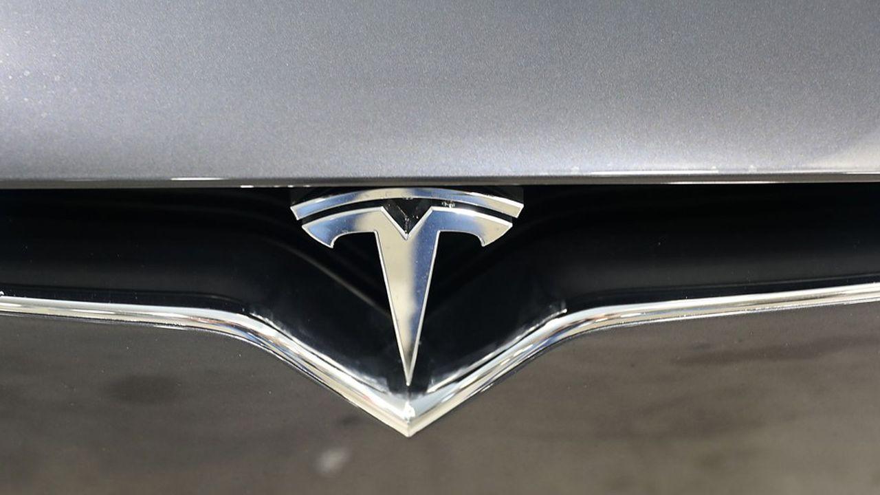 Panasonic réfléchit aux investissements dans son usine avec Tesla
