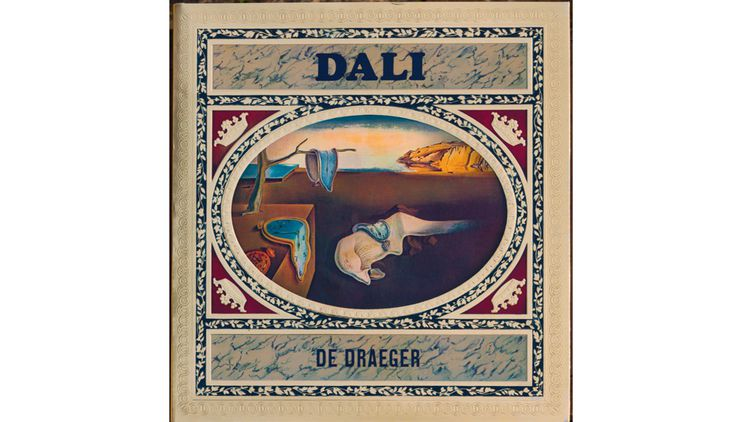 Le livre Dali édité par Draeger en 1968. L'artiste avait demandé que la couverture ressemble à une boîte de confiseries avec reliefs et dorures