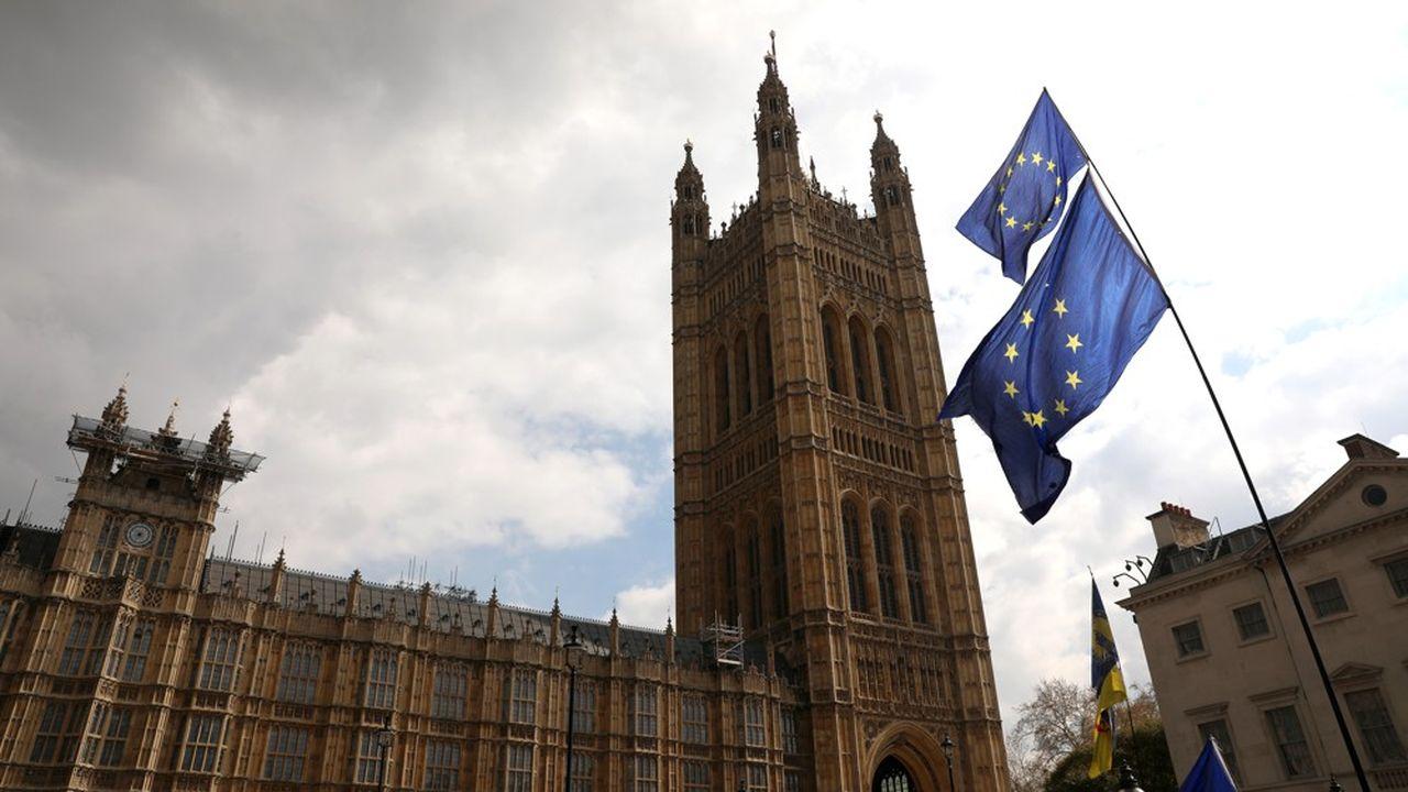 Les fonds investis en actions britanniques sont pénalisés par le chaos autour des négociations entre Londres et Bruxelles