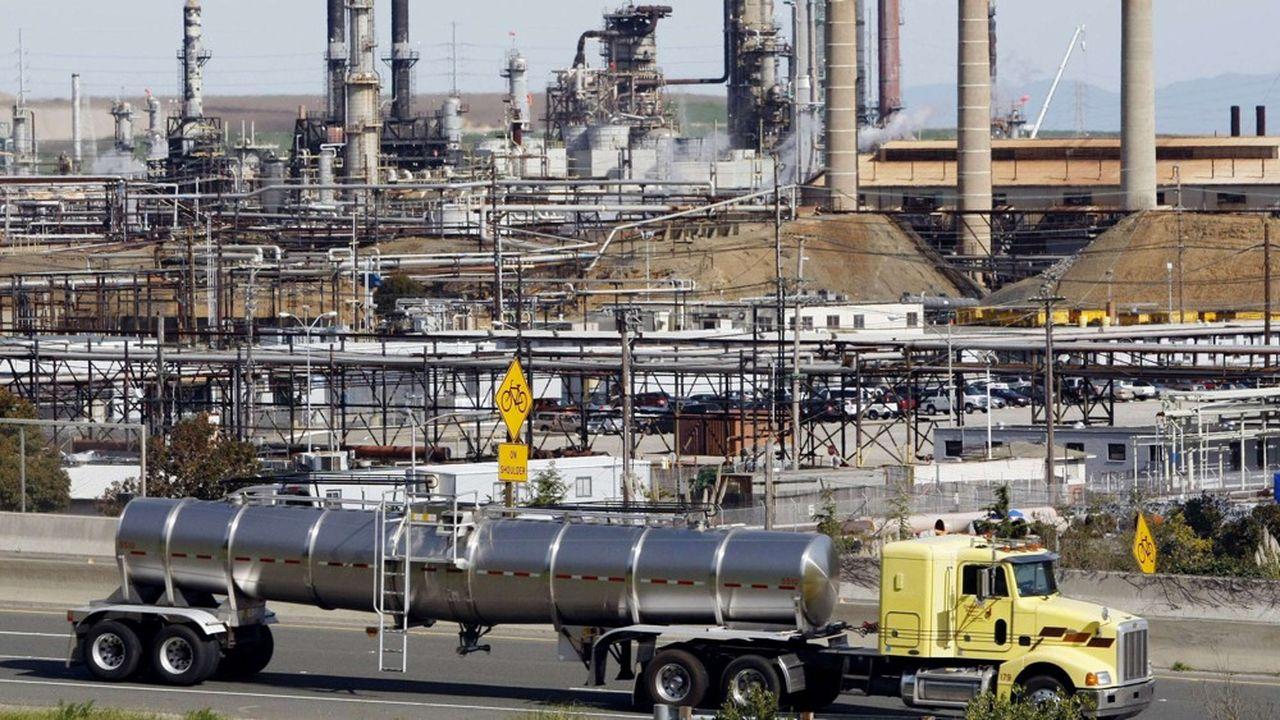 Avec cette acquisition, Chevron entend augmenter sa présence dans le Bassin permien au Texas où sont concentrés les gisements de schiste américains, et dans le gaz naturel liquéfié (GNL).