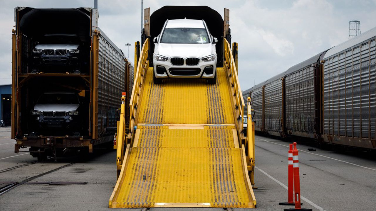 Pour éviter notamment un relèvement des droits de douane sur les automobiles européennes, les Européens sont prêts à négocier un accord commercial avec les Américains.
