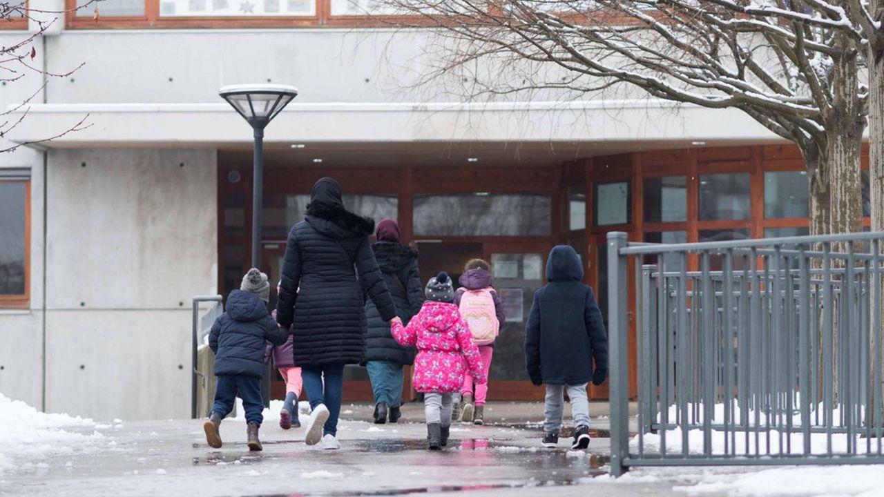 Le gouvernement a prévu le dédoublement complet des CP et des CE1 de l'éducation prioritaire pour la rentrée 2019.