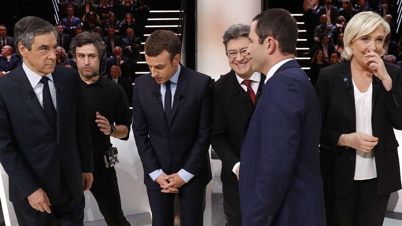 Pourquoi l'argent des politiques intéresse tant les Français
