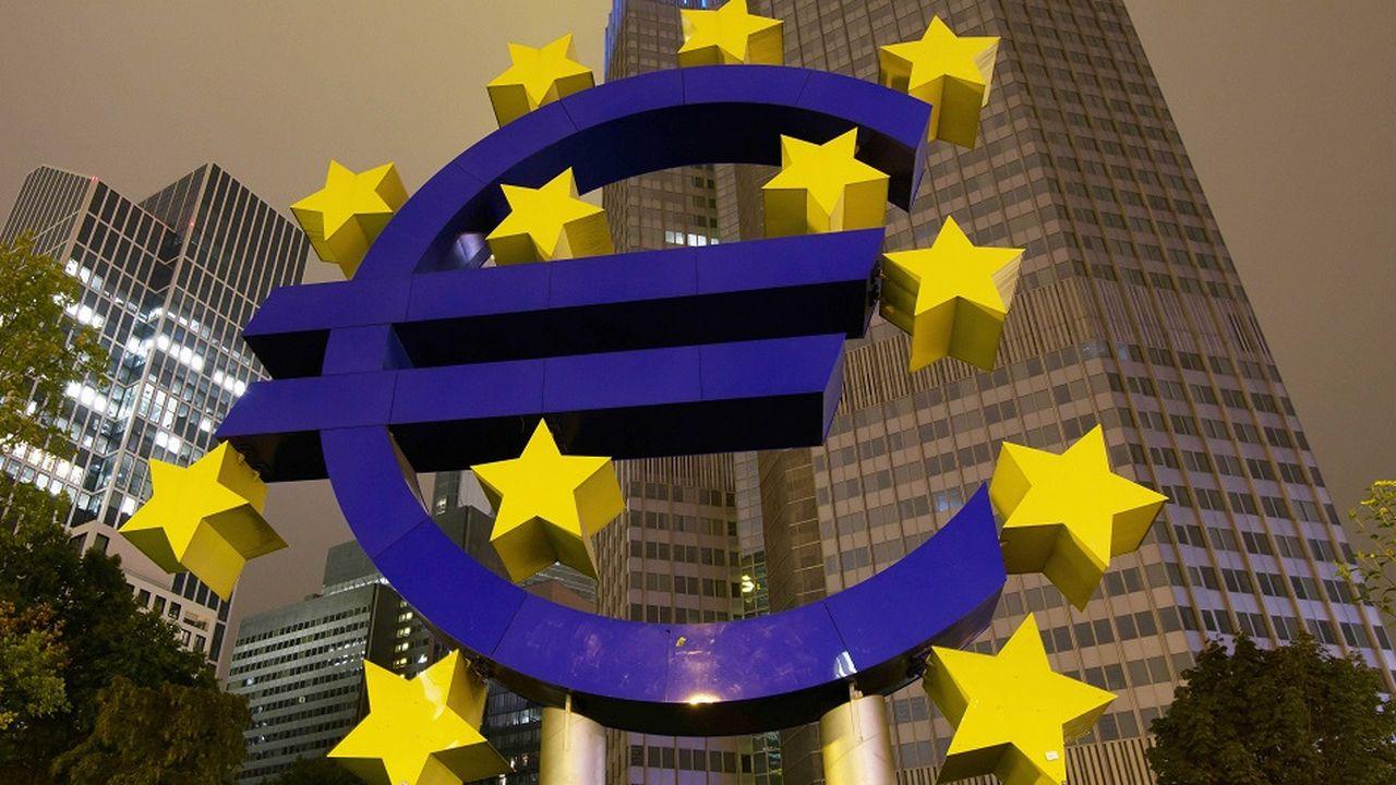 2088719_macroeconomie-quelles-solutions-pour-une-zone-euro-plus-solide-170285-1.jpg