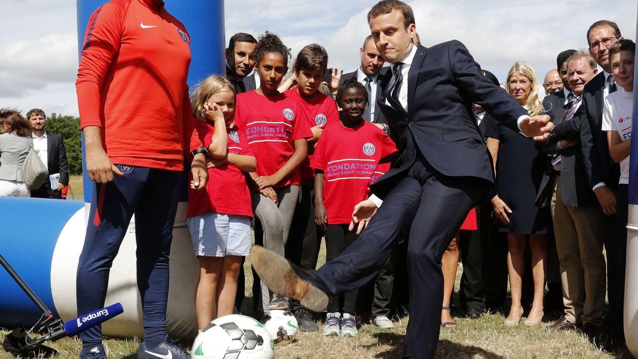 """Emmanuel Macron, l'atout de la France dans le """"mercato"""" ?"""