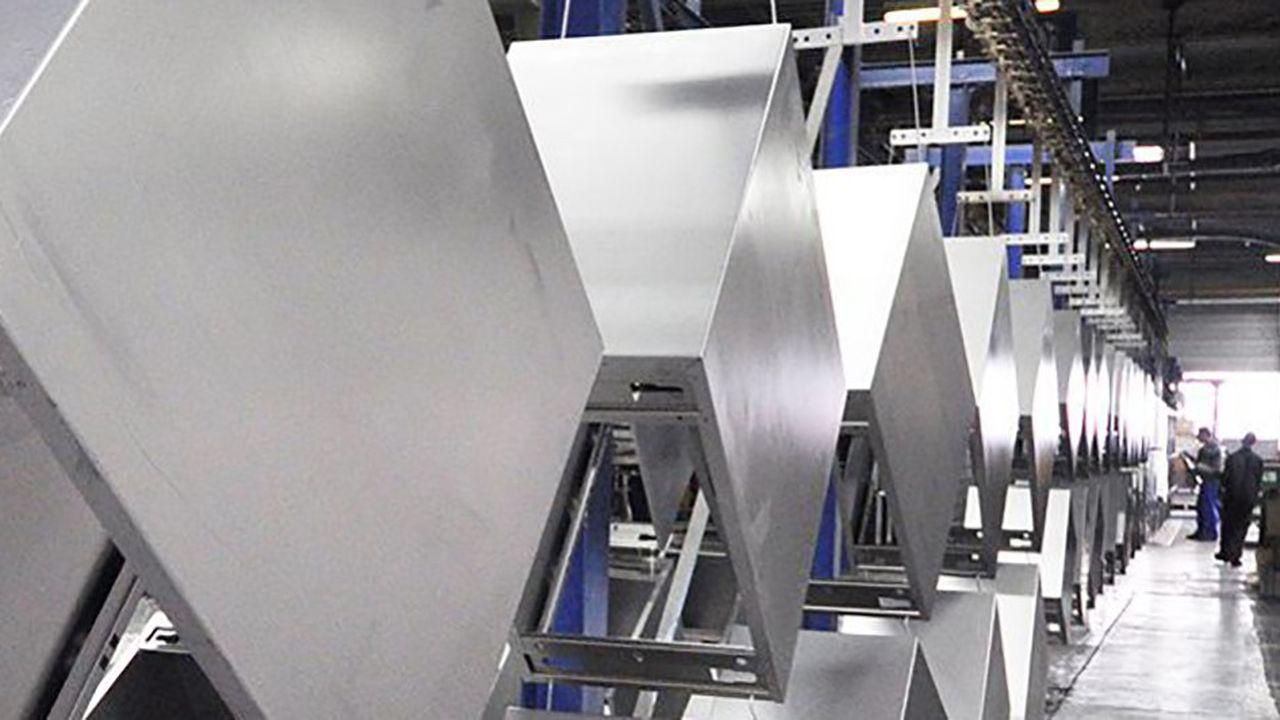 usine du fabricant de mobilier de bureau Majencia.