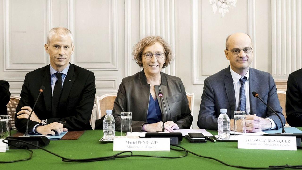 Le gouvernement veut que le chantier de Notre-Dame provoque un appel d'air vers les formations du bâtiment(ci-dessus Muriel Penicaud, ministre du Travail, Franck Riester, ministre de la Culture et Jean Michel Blanquer, ministre de l'Education).