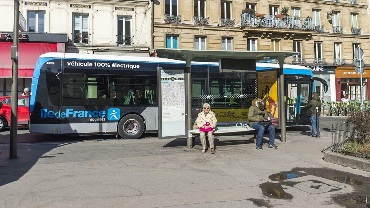Outre le développement des bus électriques, la RATP, Ile-de-France Mobilités et la Ville de Paris ont procédé à une profonde restructuration du réseau de la capitale. La nouvelle configuration sera effective ce samedi.