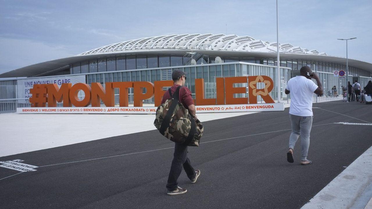 Montpellier est desservie quotidiennement depuis Marne-la-Vallée, dans la banlieue parisienne.