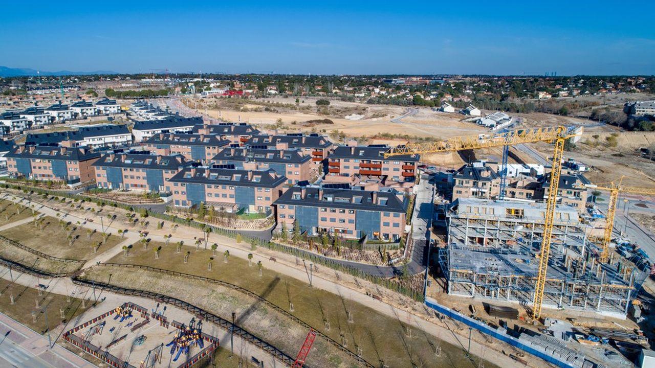 Un logement en construction en Espagne. Les voisins de la France sont aussi confrontés à une pression à la hausse du prix des logements neufs.
