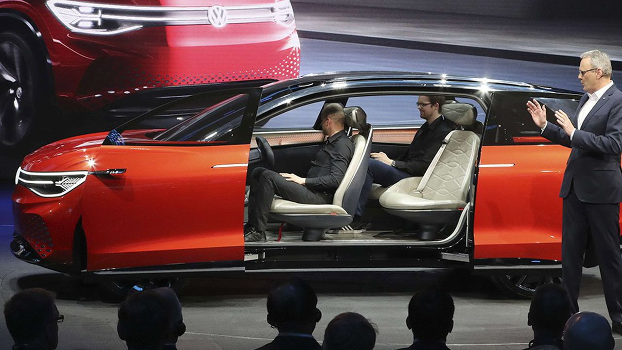 Volkswagen a dévoilé à Shanghai son SUV électrique ID. Roomzz, doté de sept places, disponible en Chine à partir de 2021.