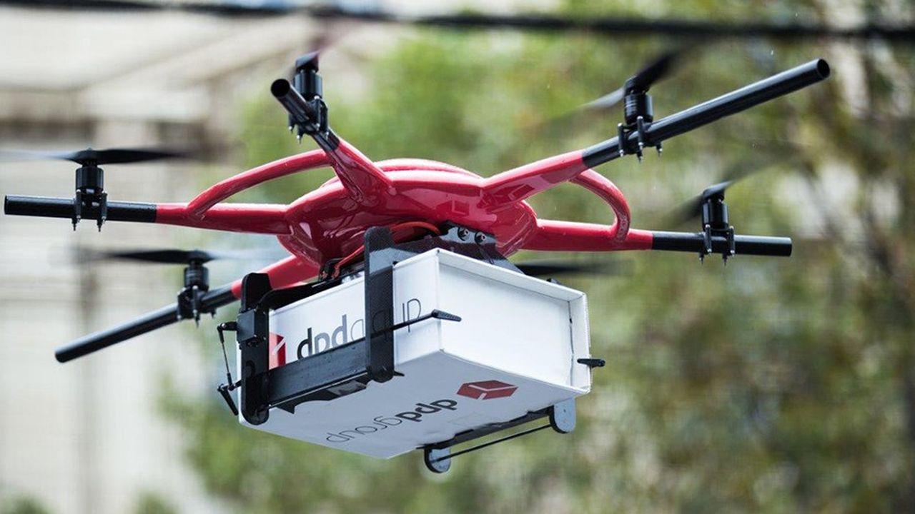Les drones utilisés sur la seule ligne commerciale autorisée en France ont une vitesse de croisière de 30km/h et peuvent transporter jusqu'à 3kg de charge utile.