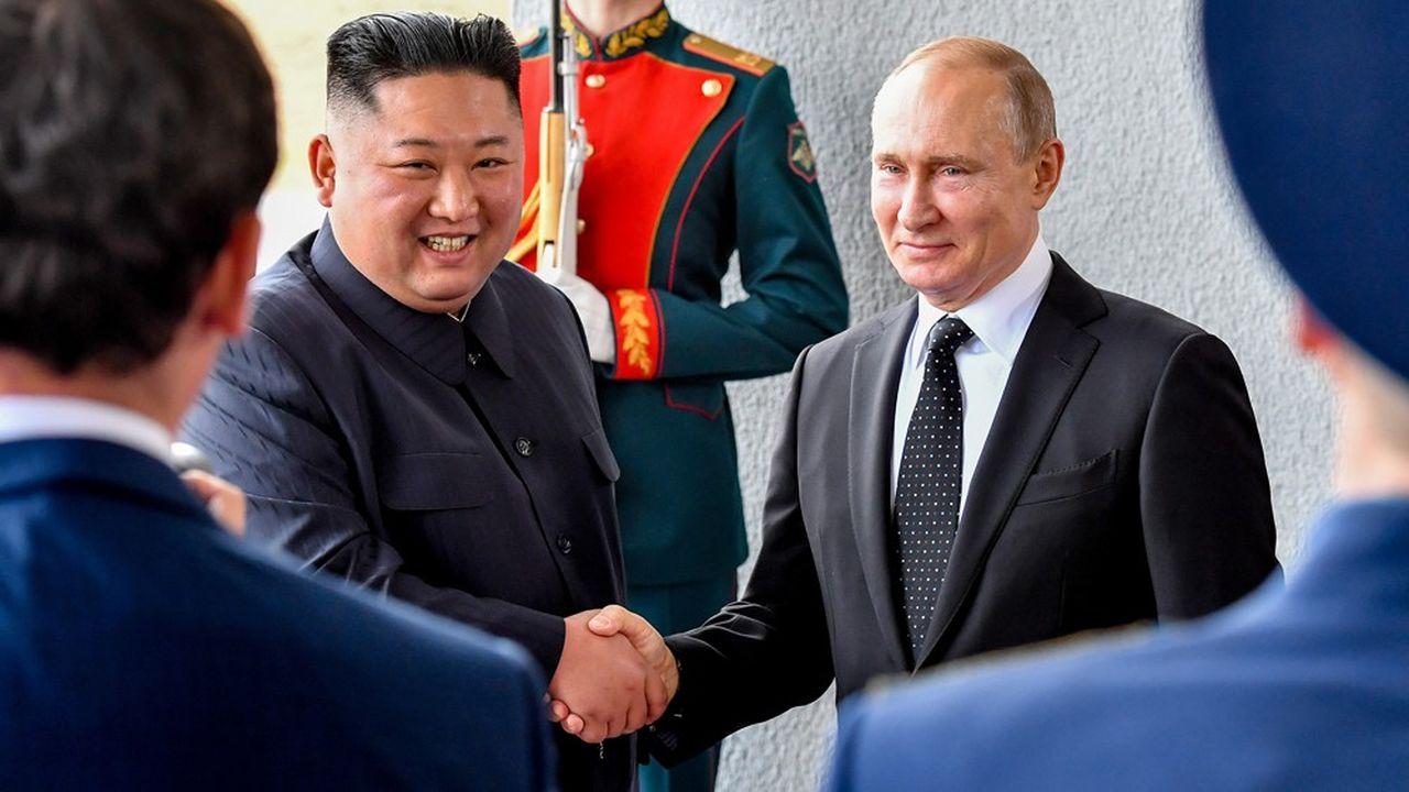 A Vladivostok, jeudi, l'essentiel pour Kim Jong-un était une poignée de main devant les caméras du monde entier et les commentaires plutôt flatteurs de Vladimir Poutine.