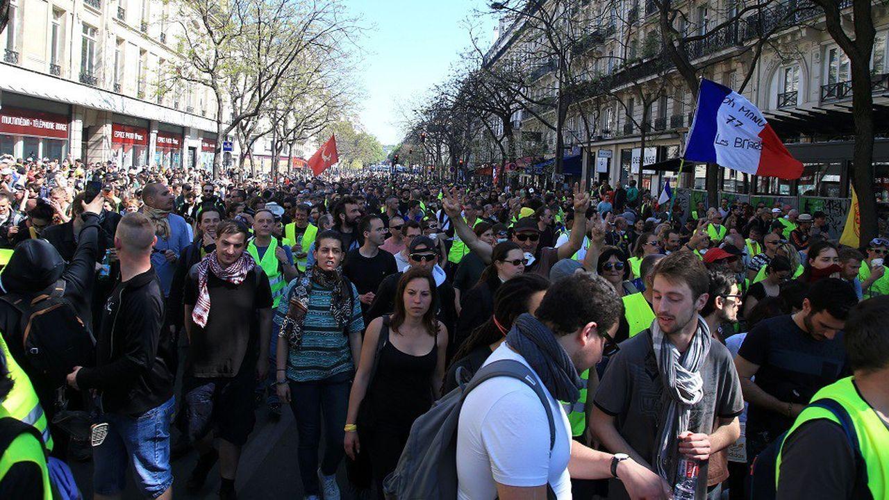 A Paris, le secteur des Champs-Elysées a une nouvelle fois été interdit