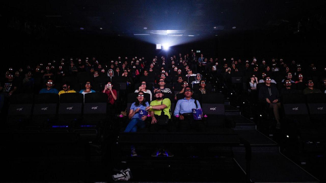 Le dernier épisode des «Avangers» dans une salle de cinéma au Venezuela.. (Photo by Federico PARRA/AFP)
