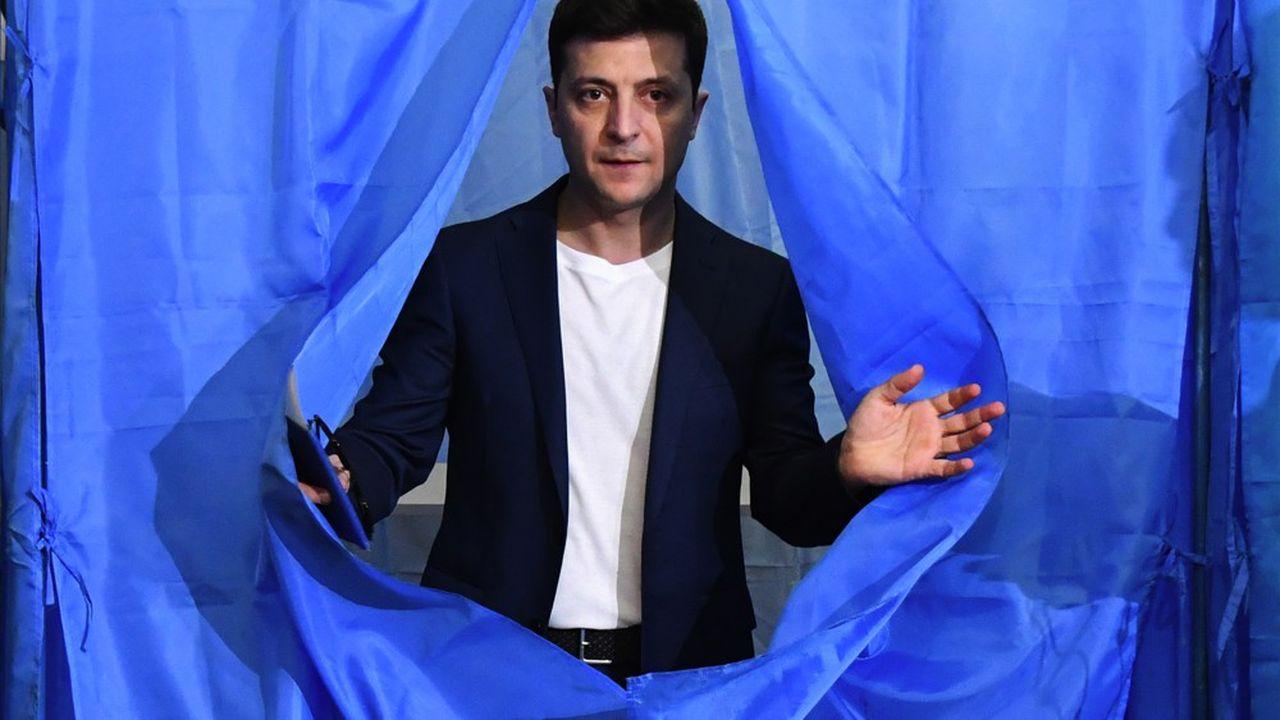 Héros d'une série télévisée à succès, Volodymyr Zelensky a été élu président d'Ukraine le 21 avril 2019.