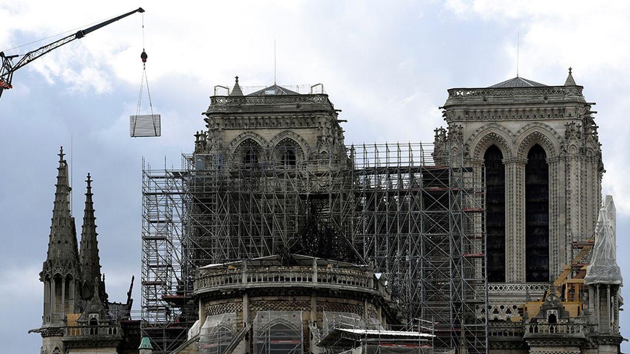 Les signataires de la tribune demandent au président de la République de ne pas mettre de côté les experts du patrimoine dans le processus de réflexion pour la reconstruction de la cathédrale