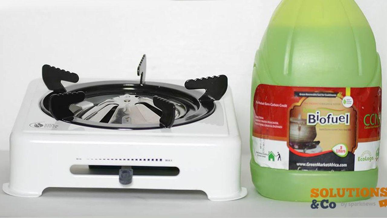 La cuisinière Kike Green Cook est portable, renforcée, revêtue d'un émail métallique et contient un thermostat de sécurité ainsi qu'une cuvette en acier centrale, qui sert de réservoir pour le gel de cuisson.