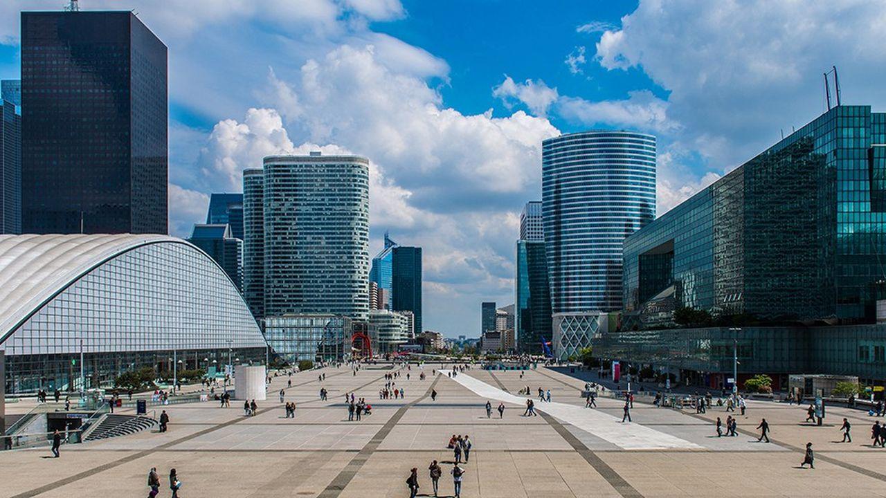 La question est de savoir comment pousser les dirigeants de grandes entreprises à contribuer à l'impôt français, sachant que la résidence fiscale est souvent déterminée par les conventions signées entre deux pays