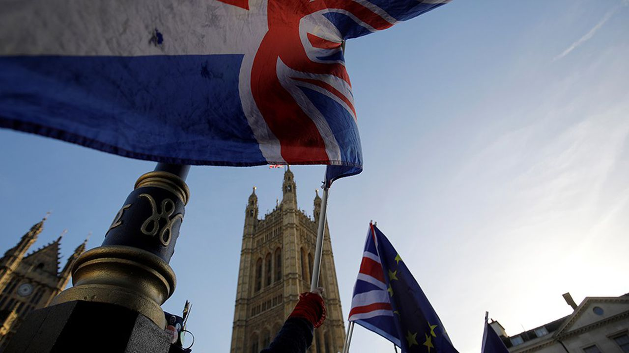 2234504_brexit-may-et-les-deputes-britanniques-de-nouveau-face-a-face-web-tete-060470076268.jpg