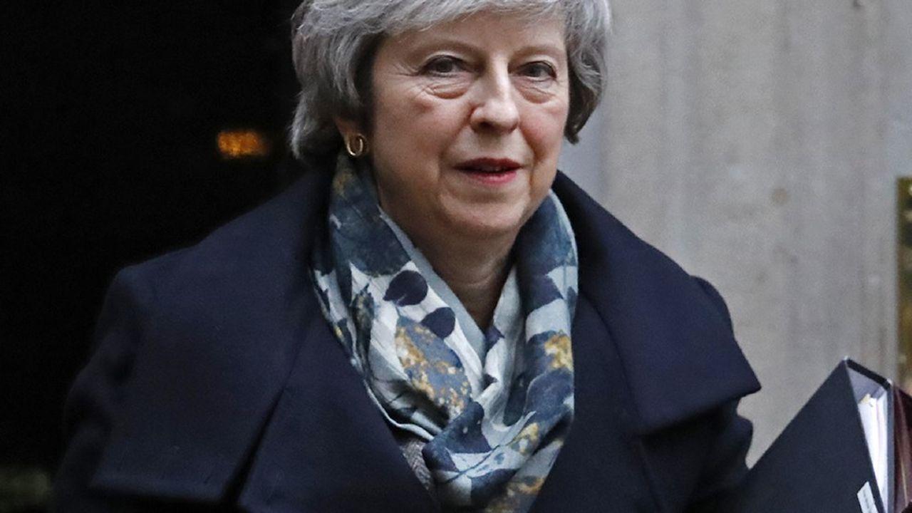 Le vote de mardi est crucial pour la Première ministre britannique. Mais il n'impliquera pas automatiquement son départ, même en cas de rejet de l'accord sur le Brexit.
