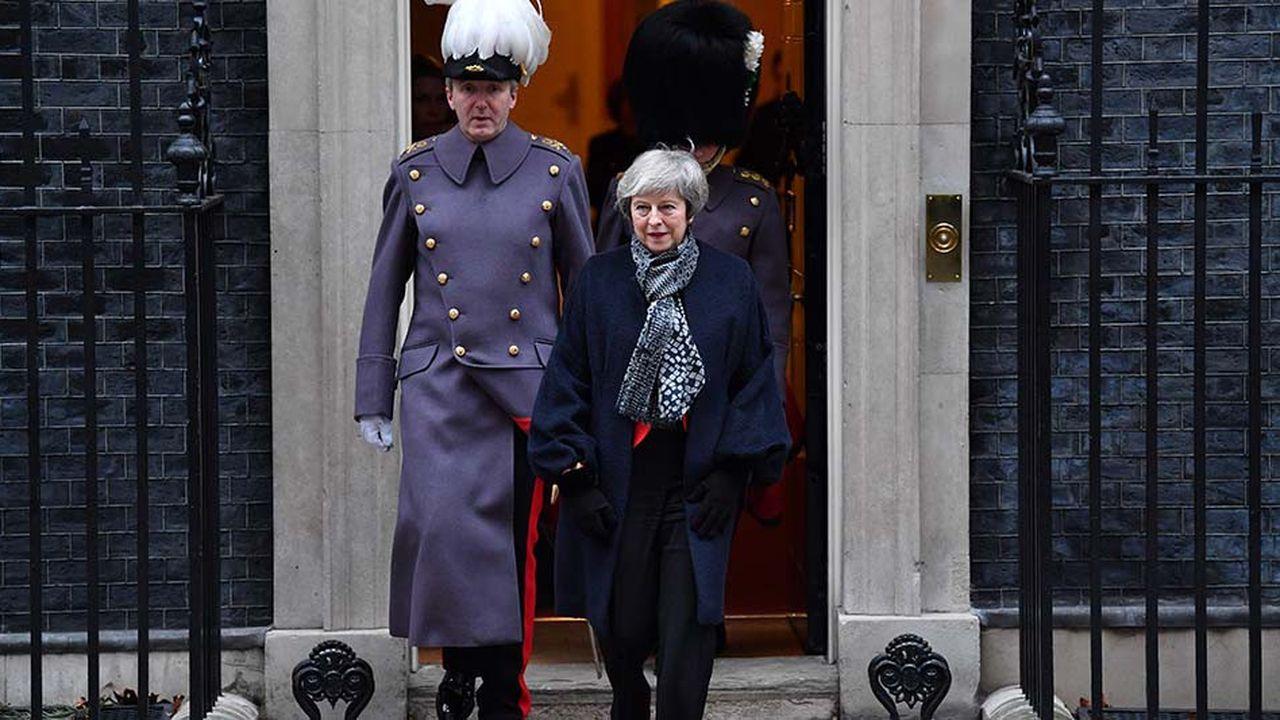 Afin de tenter une dernière fois de convaincre les députés, Theresa May a prévenu dimanche qu'un rejet de l'accord de divorce avec Bruxelles constituerait «une rupture de confiance catastrophique et impardonnable» dans la démocratie.