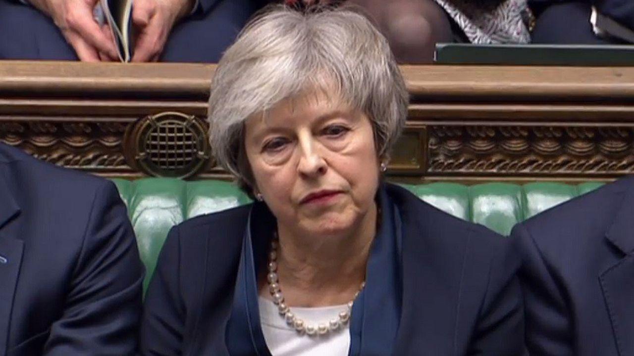 2236721_brexit-l-humiliation-de-theresa-may-a-la-une-des-journaux-britanniques-web-tete-060525807909.jpg