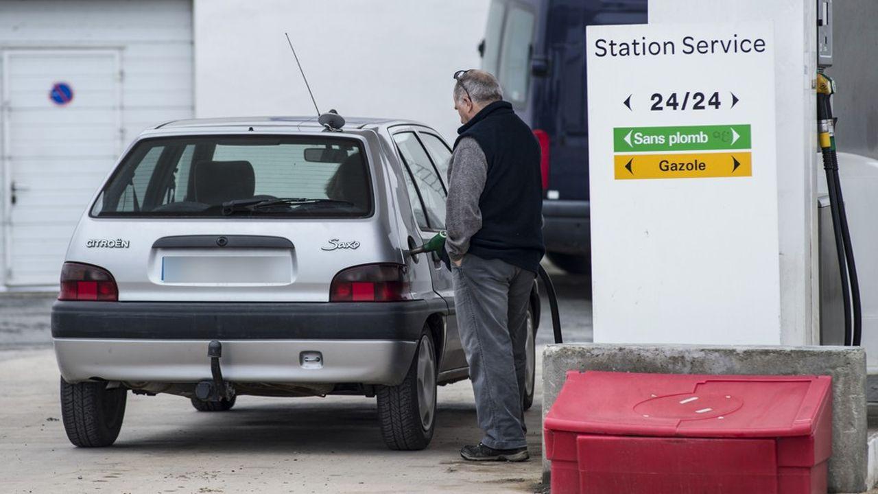 L'essence plus chère qu'au début de la crise des