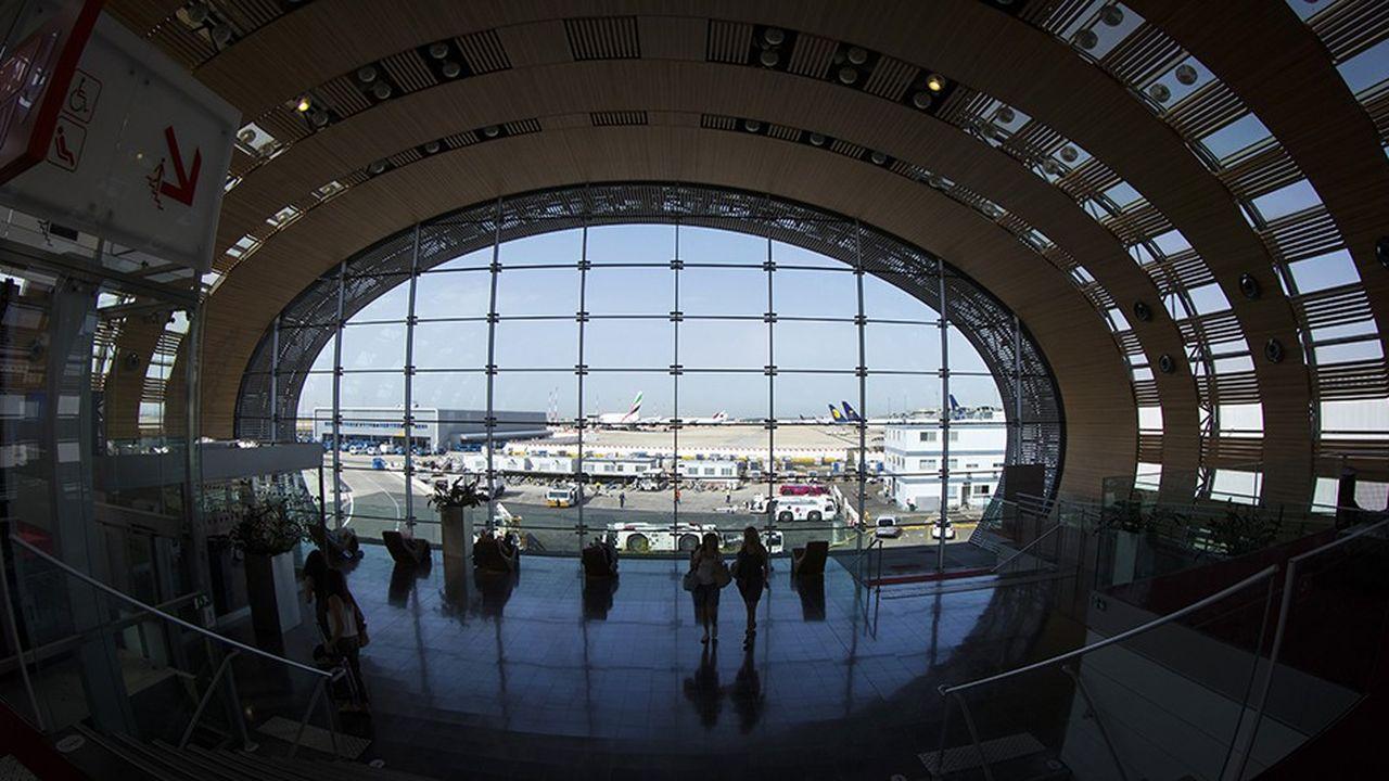 Plus de la moitié des aéroports sont exploités par des acteurs privés sous la surveillance d'une régulation stricte.