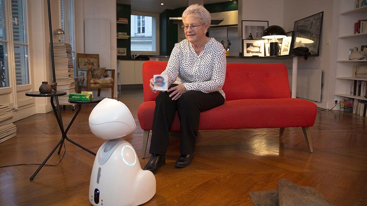 Ce petit bijou de technologie made in France a valu à la start-up Blue Frog Robotics d'être, en 2014, lauréate du concours mondial d'innovation 2030 dans la catégorie Silver économie et de recevoir, l'année dernière, le Best of Innovation Award au CES de Las Vegas.