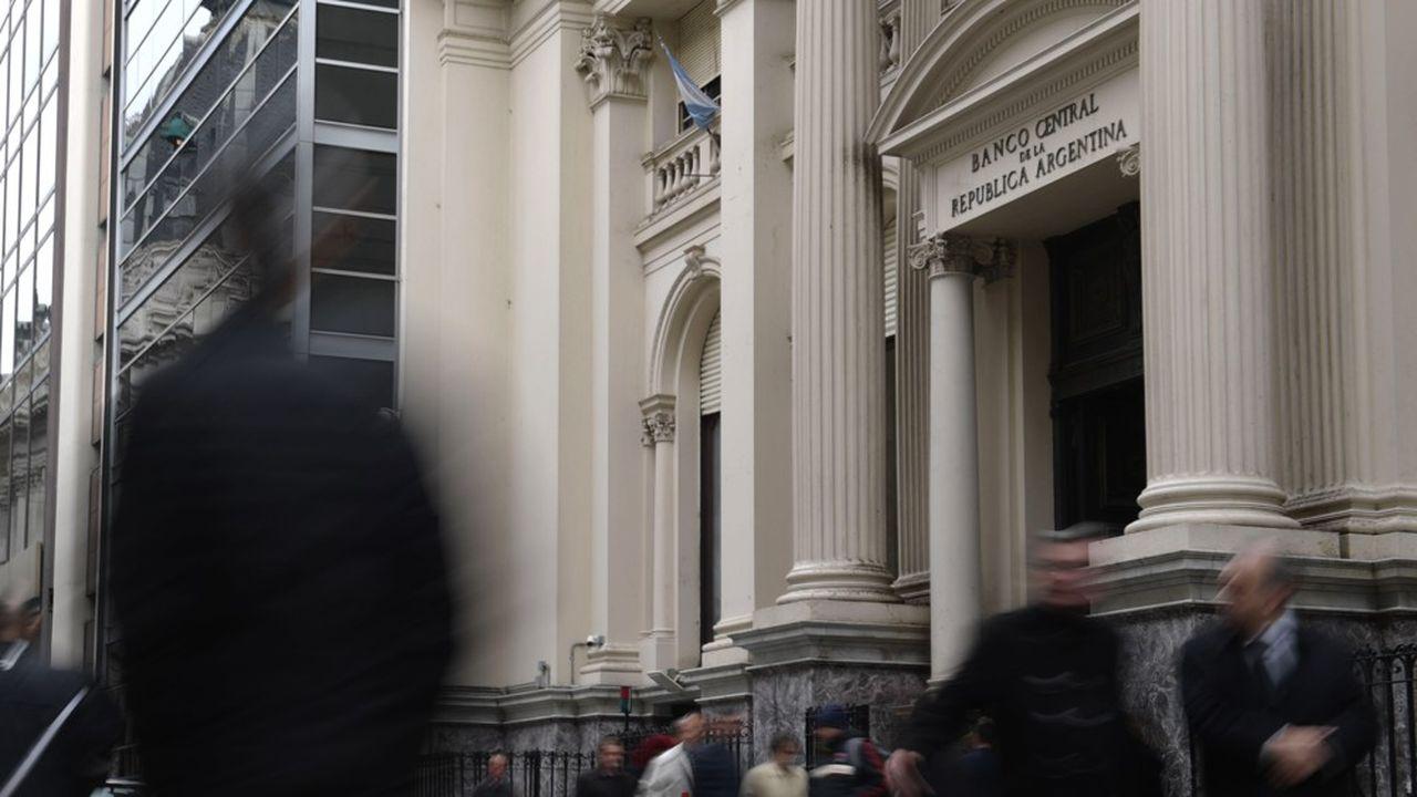 La Banque centrale d'Argentineva pouvoir puiser dans les réserves de devises qui étaient de près de 72milliards de dollars la semaine dernière.
