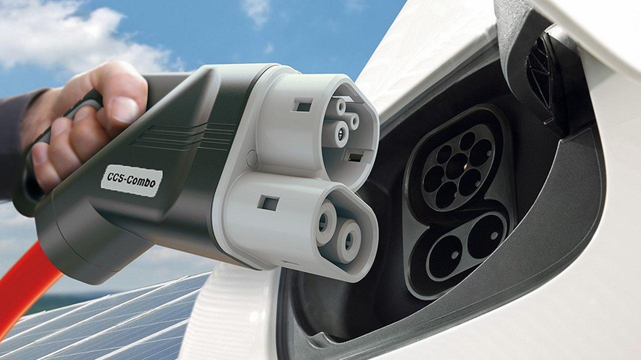 2127366_les-constructeurs-de-voitures-electriques-installent-leur-propre-reseau-de-recharge-web-tete-030823614236.jpg
