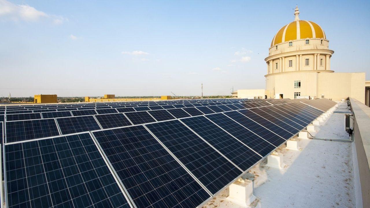 2125762_inde-des-panneaux-solaires-sur-les-toits-web-tete-030770191240.jpg