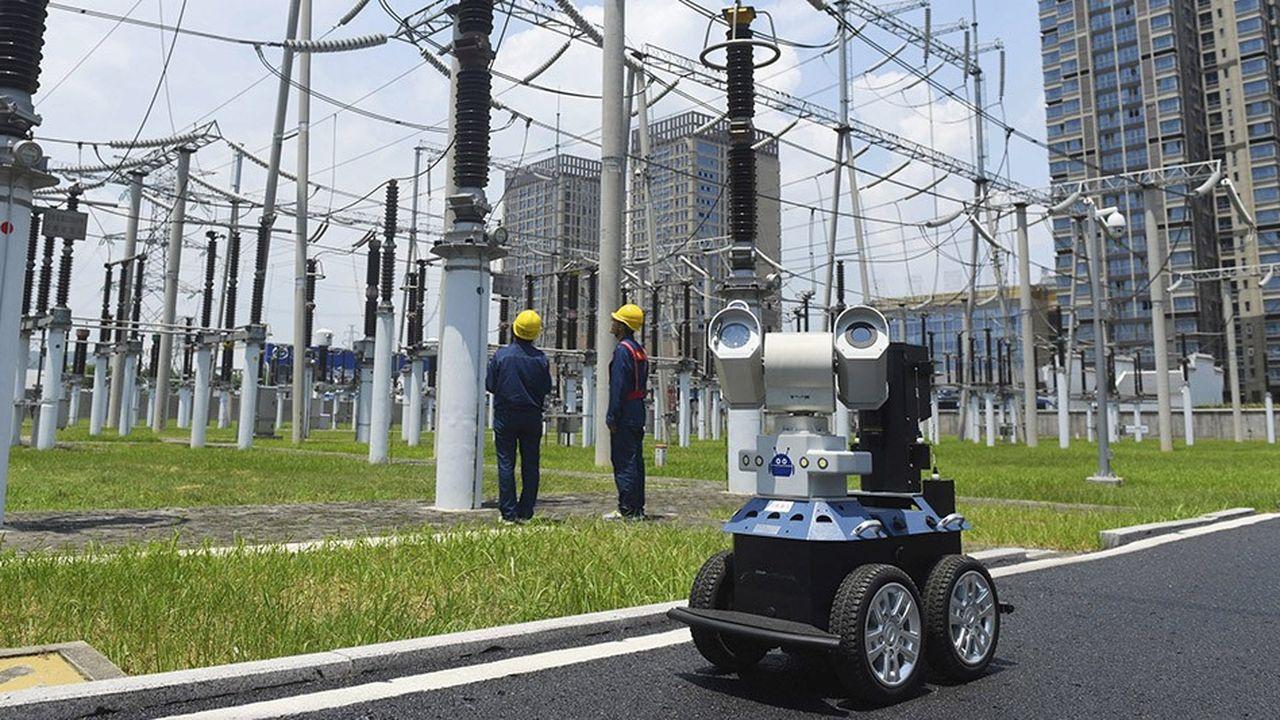 Un robot inspecteur dans une centrale électrique en Chine. La robotique est une des technologies des usines 4.0.