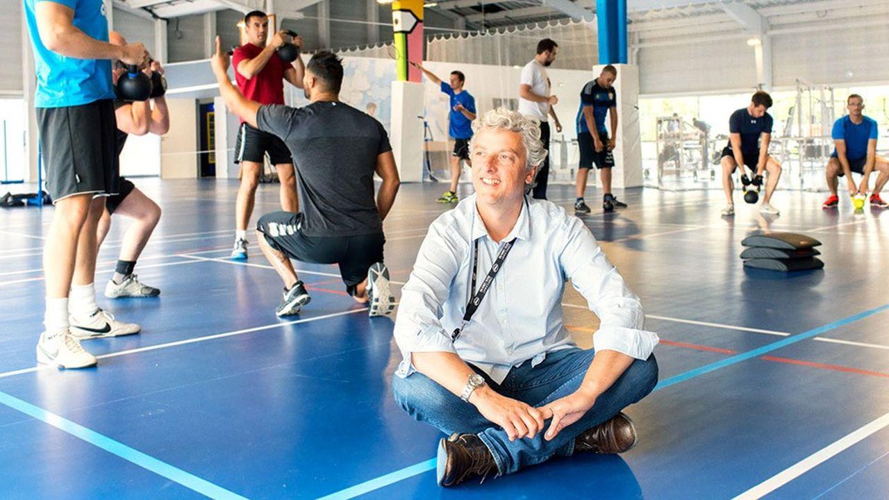 Pour Florent Voisin, responsable qualité de vie et santé au travail chez OVH, «faire du sport avec des collègues que l'on croise rarement, c'est partager autre chose que du professionnel et c'est essentiel pour créer du lien».