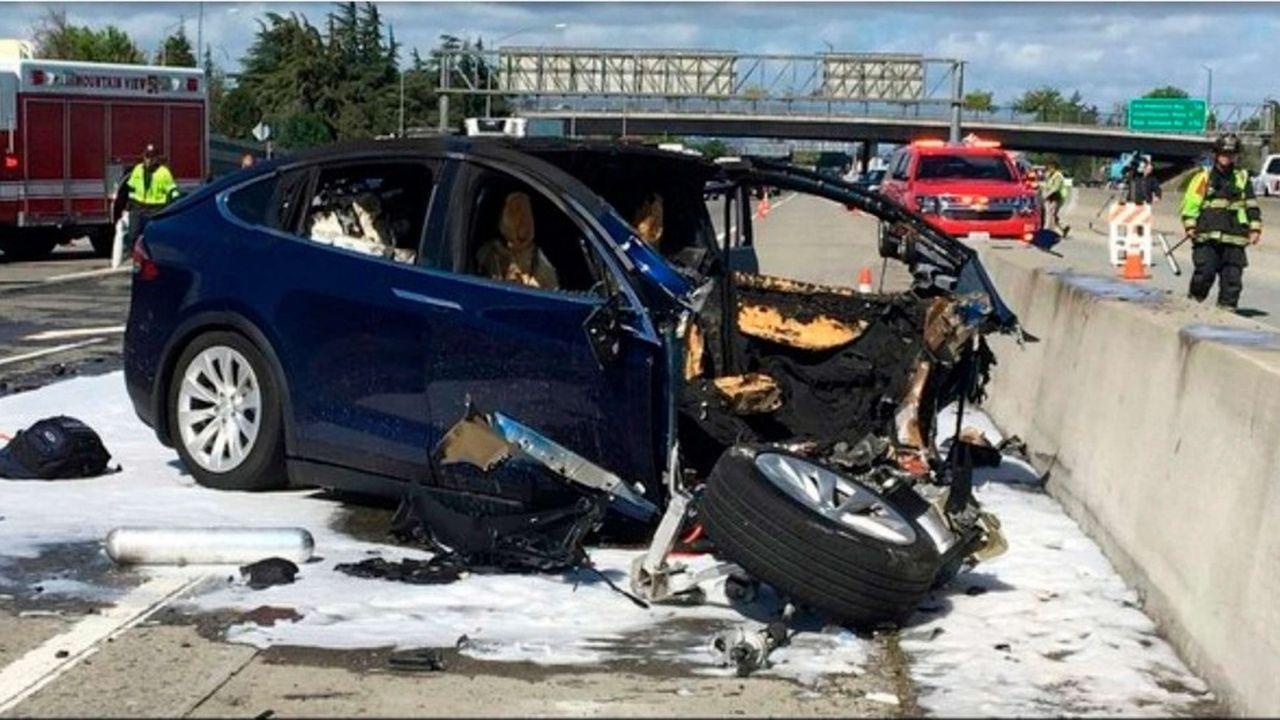 Dans sa plainte, la famille affirme que la Model X était dépourvue de dispositifs de sécurité, tels qu'un système de freinage d'urgence automatique