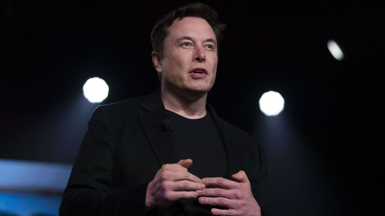 Tesla augmente son appel de fonds, Musk achète plus d'actions