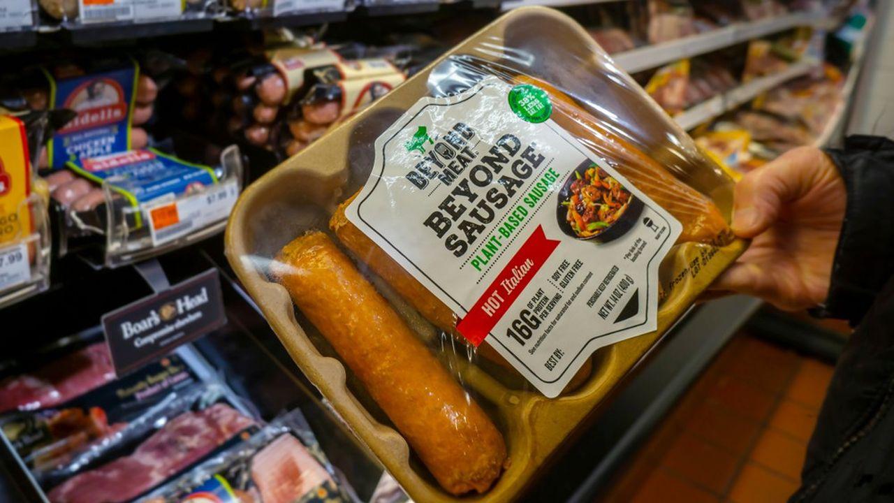 La start-up a demandé à ses supermarchés distributeurs, au nombre de 15.000 désormais, de placer ses produits dans les mêmes rayons réfrigérés que la viande traditionnelle.