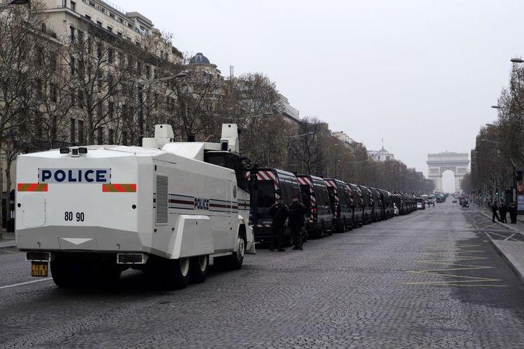 Les Champs-Elysées sont interdits aux manifestations chaque samedi depuis la mi-mars.